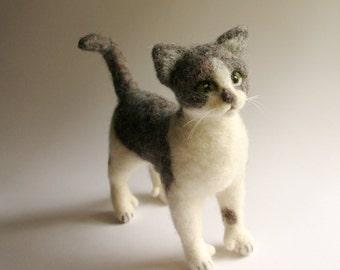 Custom cat portrait, Cat art, Needle felted cat, Pet memorial sculpture, Pet figurine, Cat soft sculpture, Felt cat