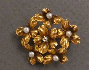 10k Pearl and Rose Diamond Flowers brooch