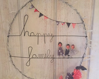 """Table wire """"Happy Family"""""""