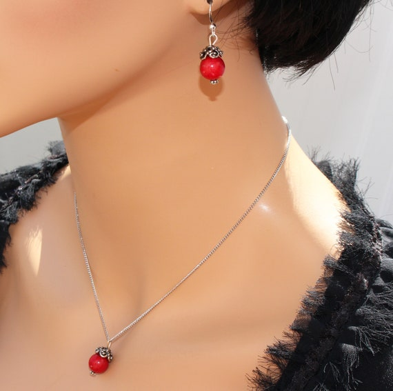 Genuine red coral jewelry coral pendant necklace vintage aloadofball Images