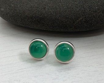 Geen Onyx cabochon stud earrings, green silver earrings, stud earrings, emerald small earrings,earlobe earrings,gift for mom, mother's day