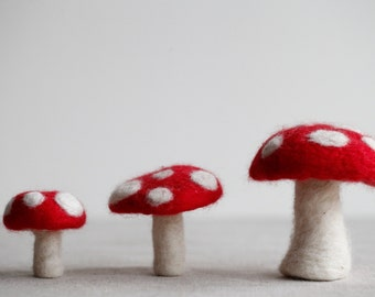 Needle Felt Toadstools Kit - DIY Felting Craft Kit