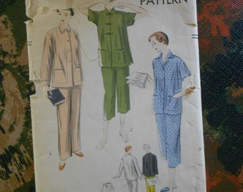 Vintage 1951 VOGUE Pattern/Two Piece Pyjamas Pattern in 2 Lengths with 2 Collar Styles and Buttons or Frog Closures - Size Small