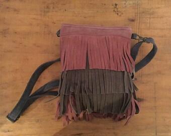 Pink and grey, shoulder strap bag.