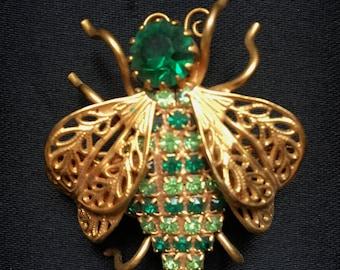 Vintage 1950s Gold Tone Filigree Bee Brooch with Green Rhinestones
