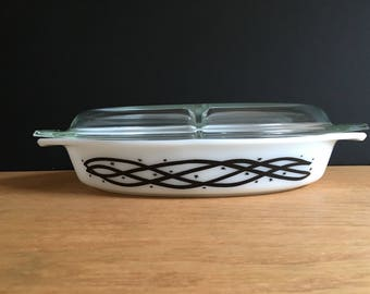 Pyrex Barbed Wire Divided Casserole