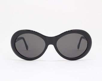 90s vintage sunglasses, NOS. Black frame, round glasses, vintage eyewear, unworn. 60s style design. Club kids.