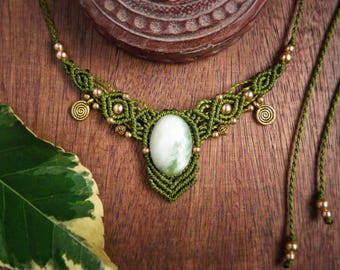 Green macrame with serpentine necklace