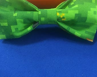 Minecraft inspired Pixilated Green Bow Tie Groomsmen and wedding tie , gifts for him, minecraft for kids. video game bow tie