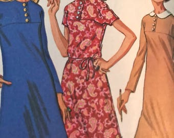 Vintage 1960's Yoked Dress With Optional Peter Pan Collar---McCalls 2089---Size 12  Bust 34