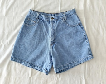 crayon / 90s high waisted light wash denim jean shorts / 10 12 medium