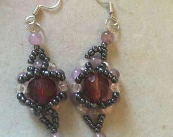 Jewelled kisses earrings