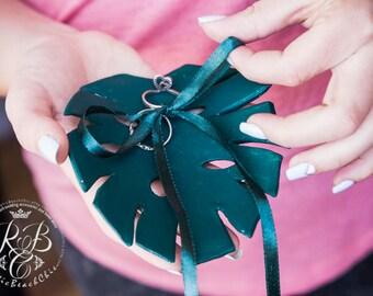 Tropical Wedding Ring Box, Monstera Leaf Ring Bearer Box, Monstera Wedding Ring Bearer, Engagement Ring Box Pillow Alternative Ring Holder