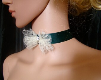 Choker green bottle and ecru satin tulle