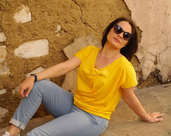 T-shirt woman yellow top was woman cotton, short sleeves, yellow mimosa, bow tie, cotton top, original yellow t-shirt