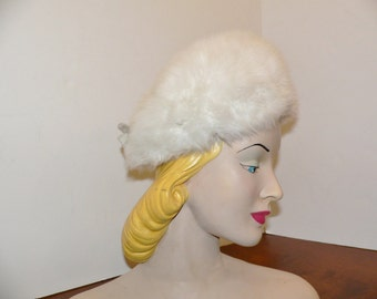 1960's Vintage Schiaparelli White Fur Hat