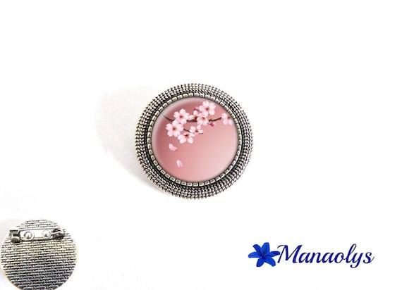 Brooch round antique silver, Japan, Sakura, 31 glass cabochons flowers