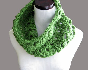 CROCHET PATTERN PDF  Green Crocheted Cowl , Women's Infinity Scarf Pattern- CaN sell items made from the pattern, instant download