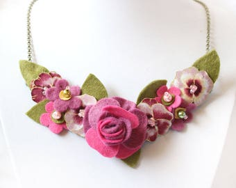 Pink Rose Necklace, Rose and Pink Pansies Bib Necklace, Pink Necklace, Statement Jewellery, Felt and Fabric Flower Floral Accessory