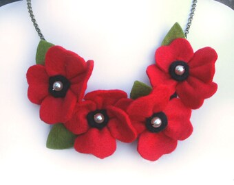 Red Poppy Necklace, Poppies and Pearls Flower Necklace, Bright Red Statement Necklace, Felt Poppy Jewellery