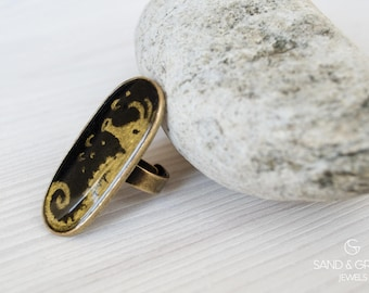 Large vintage bronze ring, hippocampus hand painted ring, statement ring, everyday adjustable ring, resin ring, OOAK black and gold ring