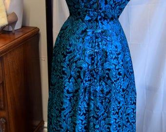 """1950's Lame Brocade Gown 36"""" bust 28"""" waist"""