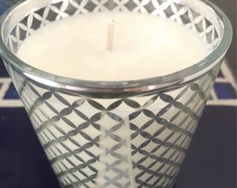 Creamy White - Grapefruit Scented Soy Container Candle