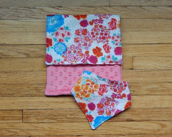 Baby Girl Gift Set - Burp Cloth & Bib - Baby Girl - Baby Shower Gift - Pink and Floral