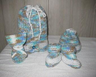 multicolored wool newborn baby set