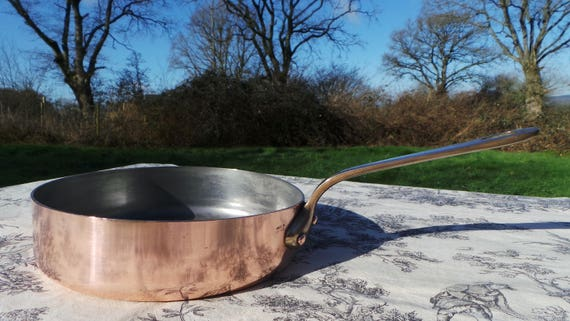 Fry Skillet Saute Pan 20cm or 8 inch Made in France Stamped Vintage French Copper Pot Cast Bronze Handle 3 Copper Rivets 1.7mm Copper