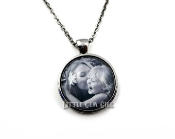 Photo Pendant - Photo necklace - Custom Photo Jewelry - Personalized Keepsake Jewelry - Your Personal Photo on a Necklace - Memorial Jewelry
