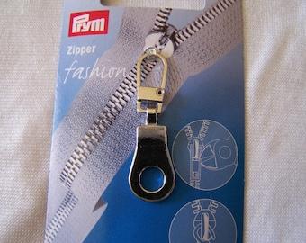 Zipper to zip up eyelet pattern (482121)
