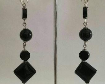 Fan, onyx pendant earrings