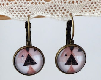 Glass cabochon earrings triangle geometric black and pink