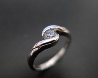 Classic Diamond Engagement Ring in 14K White Gold, Unique Engagement Ring, Solitaire Diamond Engagement Ring, Solitaire Ring, Diamond Rings