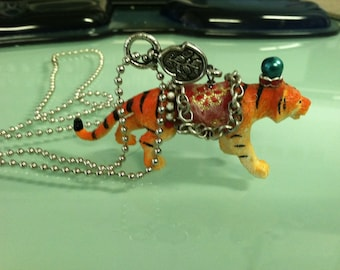 Circus Tiger Necklace Really cute