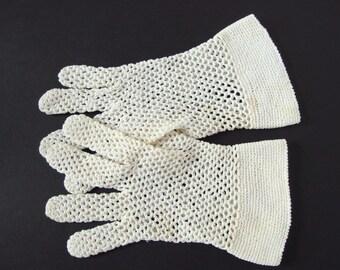 Vintage Gloves - Ivory Crocheted Dress Gloves, Size 6 - 6.5