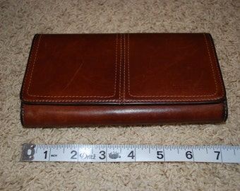 beautiful Kenneth Cole New York british tan leather checkbook style wallet, distressed leather  FREE US SHIPPING