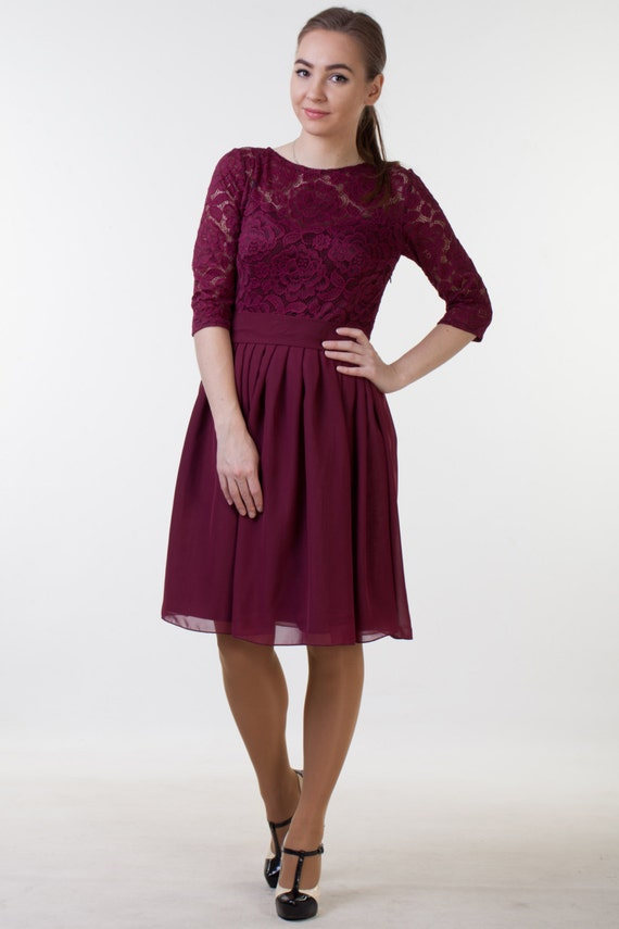 NEW LACE see 2nd photo Short burgundy dress with sleeves