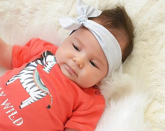 Cute Baby Girl Outfit.  Baby Girl Bodysuit with Silver Stretchy Knot Headband. Cute Baby Girl Clothes. Baby Girl Set. Take Home Outfit.
