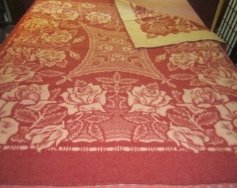 Vintage 1930s/40s Heavy Brick Red and Cream Floral Wool Camp Blanket