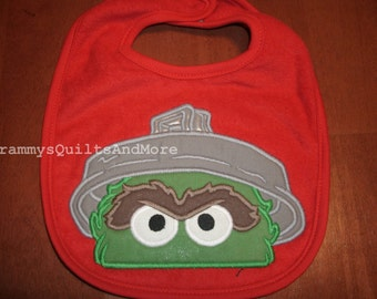 Baby bib inspired by Oscar the Grouch