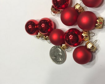 6 mini assorted red glass Christmas Ornaments, 20 mm (BR4)
