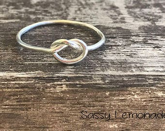 Sterling Silver Knot Ring / Simple Knot Ring / Promise Ring / Thin Minimalist Jewelry / Dainty Ring