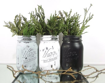 Home Decorating // Mason Jar Decor // Rustic Home Decorations // Rustic Mason Jars // Living Room Decor // Rustic Country Home Decor
