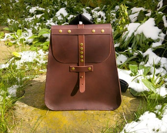 Leather backpack with inner pocket and adjustable straps