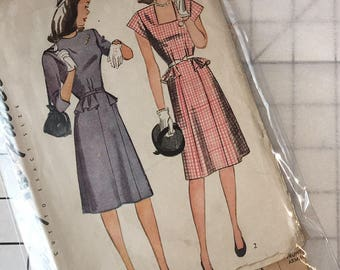 simplicity 1288 1940s Dress Peplum Pinup Style WWII Long or short Sleeve square Neck Cap sleeve size 14 bust 32