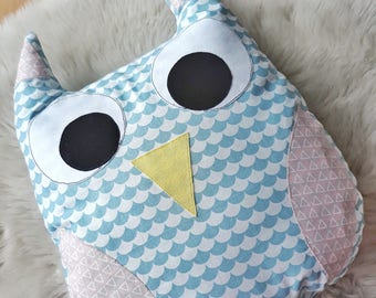 Owl / Owl Cushion / Owl Pillow / Owl Plush / Owl Nursery / Animal Pillow / Nursery Decor / Woodland Nursery / Woodland Animals / Baby Gift