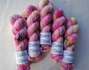 merino wool nylon hand dyed sock yarn 100g / 425m / Eluded Fibres / MONROE