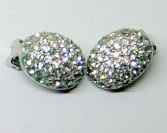 Vintage Pave' Rhinestone Earrings - Clip Back - Silver - Sparkle Like Diamonds - Oval - Excellent